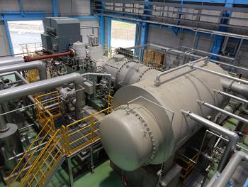 発電機・蒸気タービン・復水器
