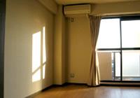 室内は日当たりもよく、エアコン完備