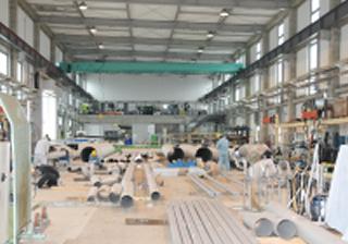 配管加工作業工場